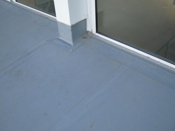 window-detailing-flat-roof-design